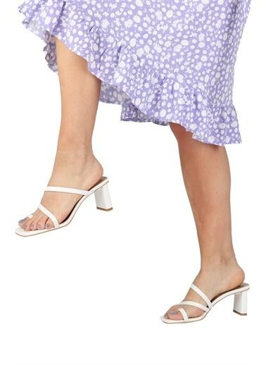 Modabuymus Modabuymus Parmak Arası İnce Bantlı Topuklu  Terlik - Ferro Beyaz